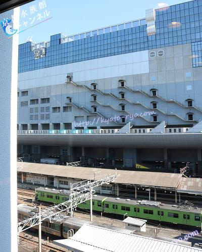 ホテル近鉄京都駅の部屋から見える電車