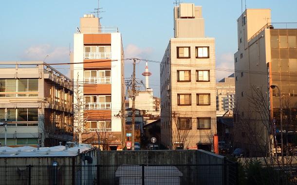 京都水族館から見える京都タワー